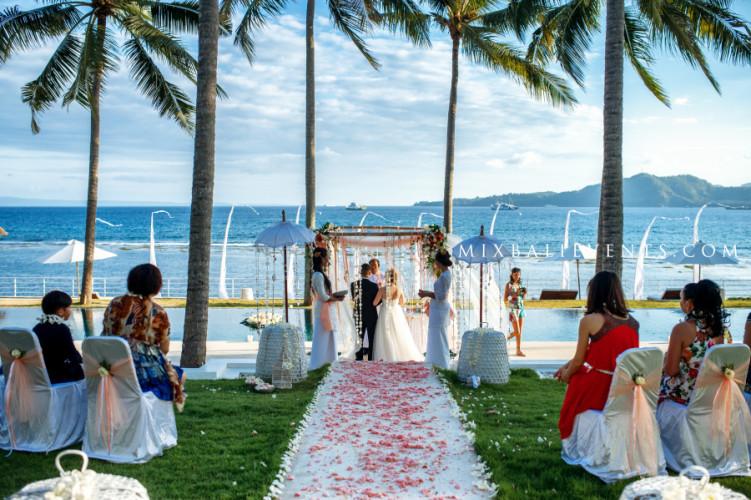Свадьба Бабочек, организация свадьбы на бали, свадебная церемония на вилле