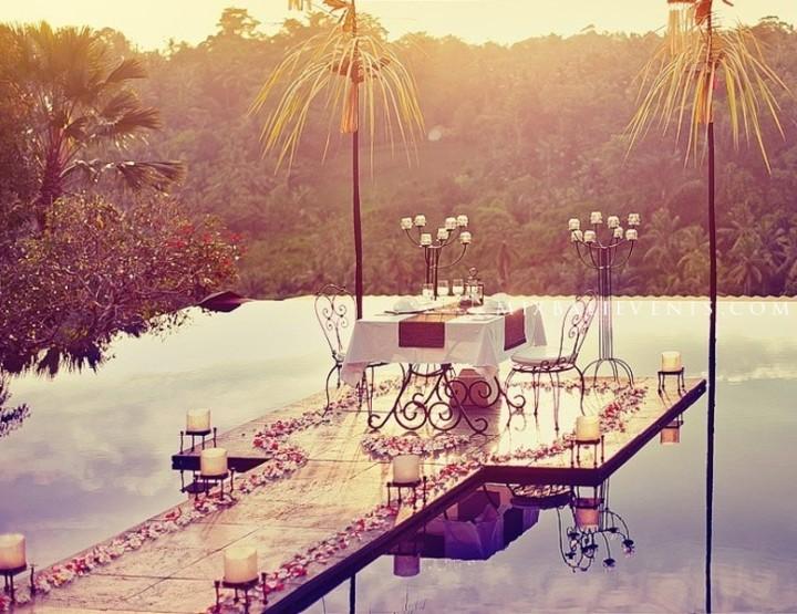 Романтический ужин в джунглях