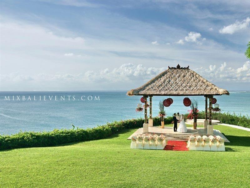 свадьба на бали, свадебная церемония на бали, организация свадьбы на бали, балийское газебо