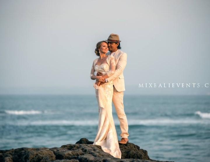 Свадебная церемония на Бали - Rio Sidik и Елизаветы Розановой. Часть 2