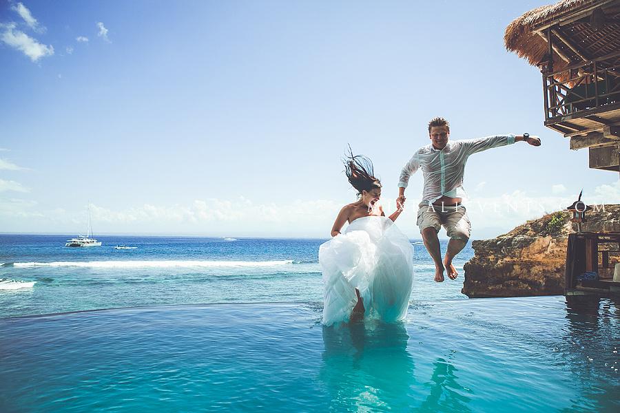 свадебная фотосессия на бали, свадьба на остовах, свадебная церемония на бали