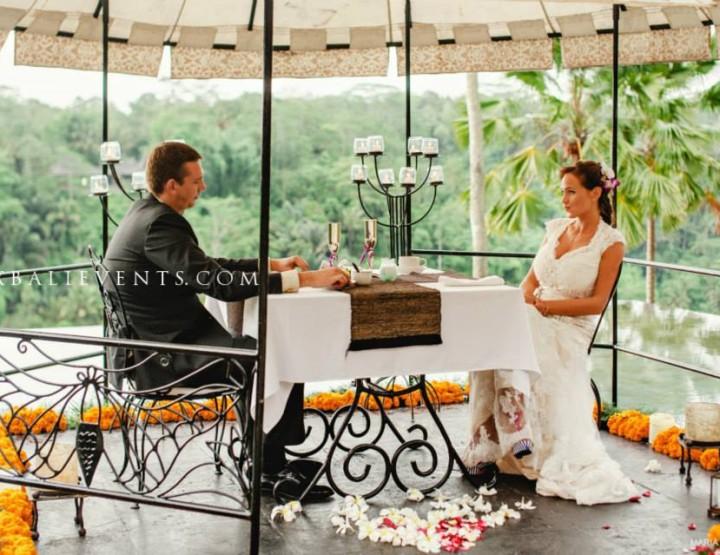 Романтический ужин на бассейне с видом на тропические джунгли