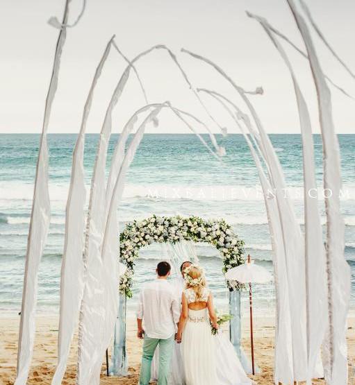 Свадьба на пляже на Бали