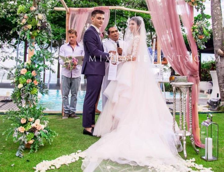 Тренд 2016 - Лавандовая свадьба на роскошной вилле у океана. Свадьба с гостями