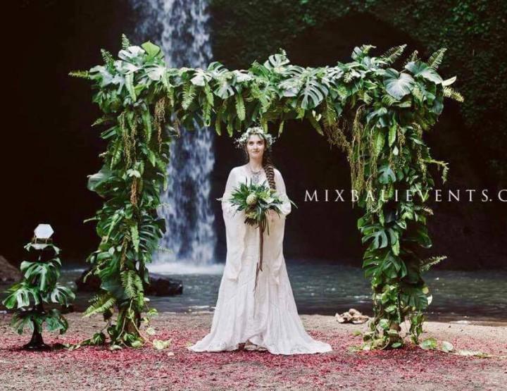 Тренд 2017 - Эльфийская свадьба на водопаде