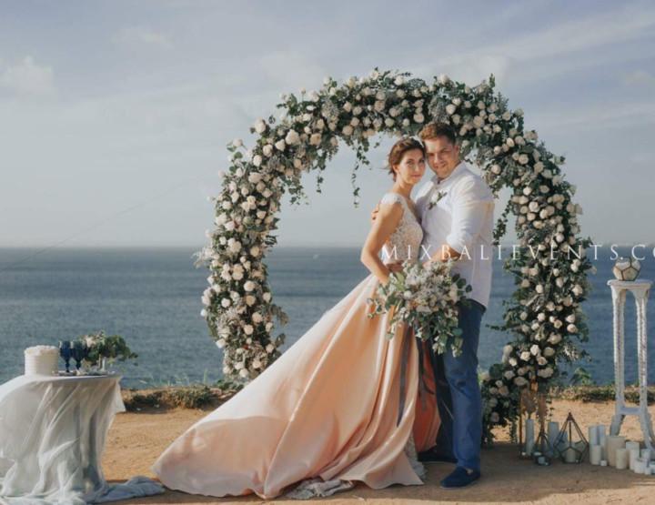 Тренд 2017 - Свадьба с круглой аркой в цветах Ivory, Grey & Dusty Blush