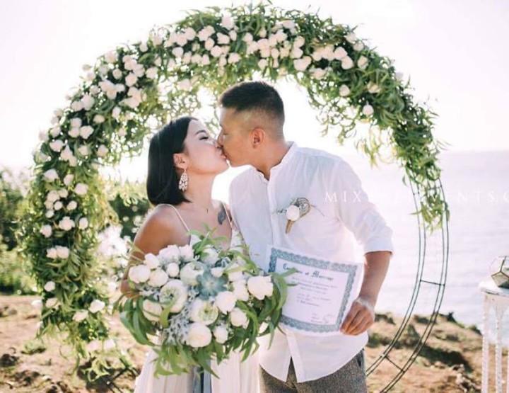 Трэнд 2017! Свадьба с Круглой аркой и цветочным декором из белых Лотосов и Суккулентов