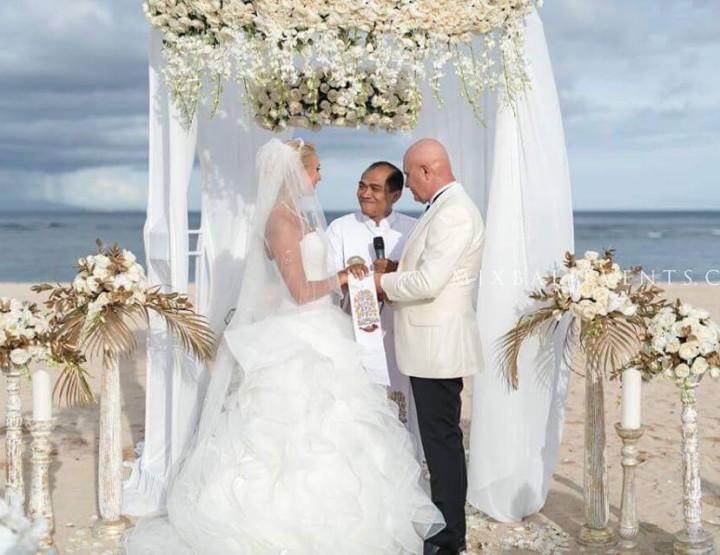 Стильная Свадьба в Итальянском классическом стиле в Бело-Золотых тонах наших молодых Рудольфо и Натальи - в MIX Bali Events.