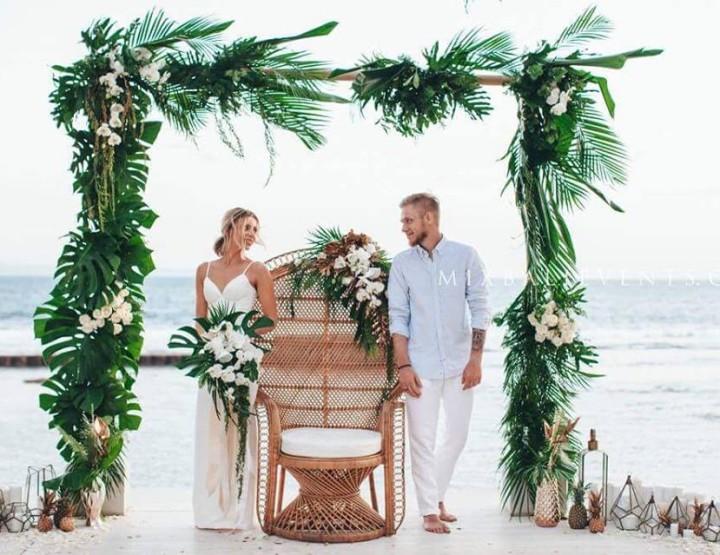 Стильная Тропическая Свадьба на вилле с гостями