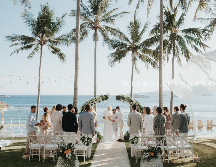 Glam Tropicana Wedding на вилле с гостями