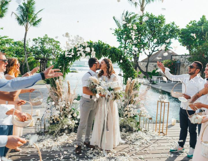 Glam Gray Wedding. Стильная Свадьба с гостями на вилле у океана для наших молодых Алексея и Татьяны