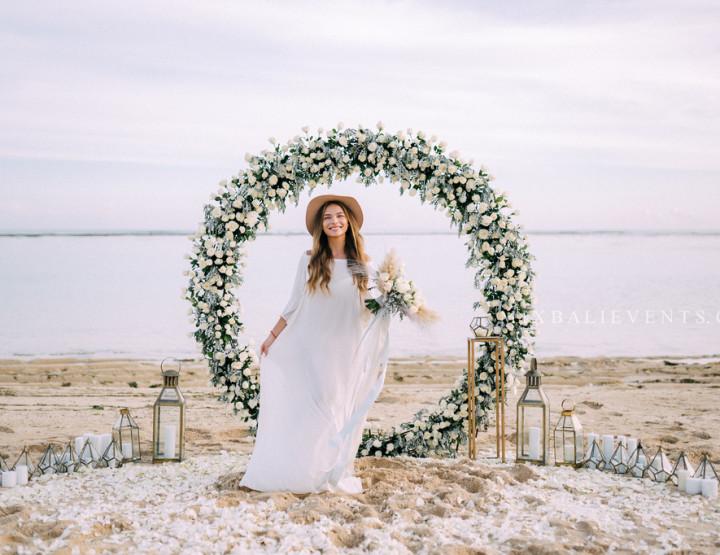 Стильная Свадьба на пляже с белым песком