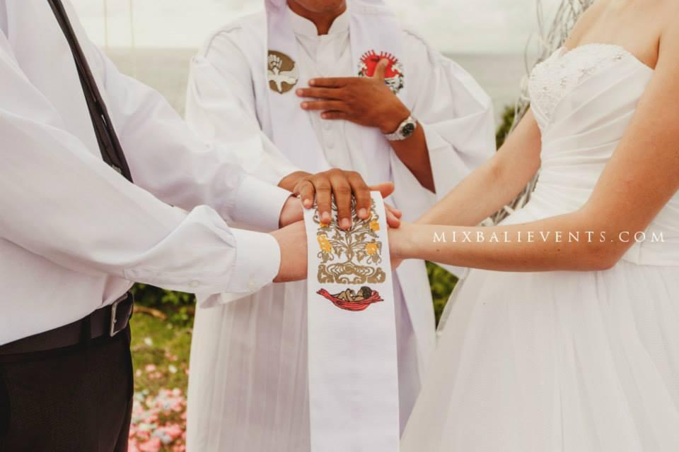Воздушная свадьба на бали. Свадебная церемония на бали.Заказать свадьбу на Бали.