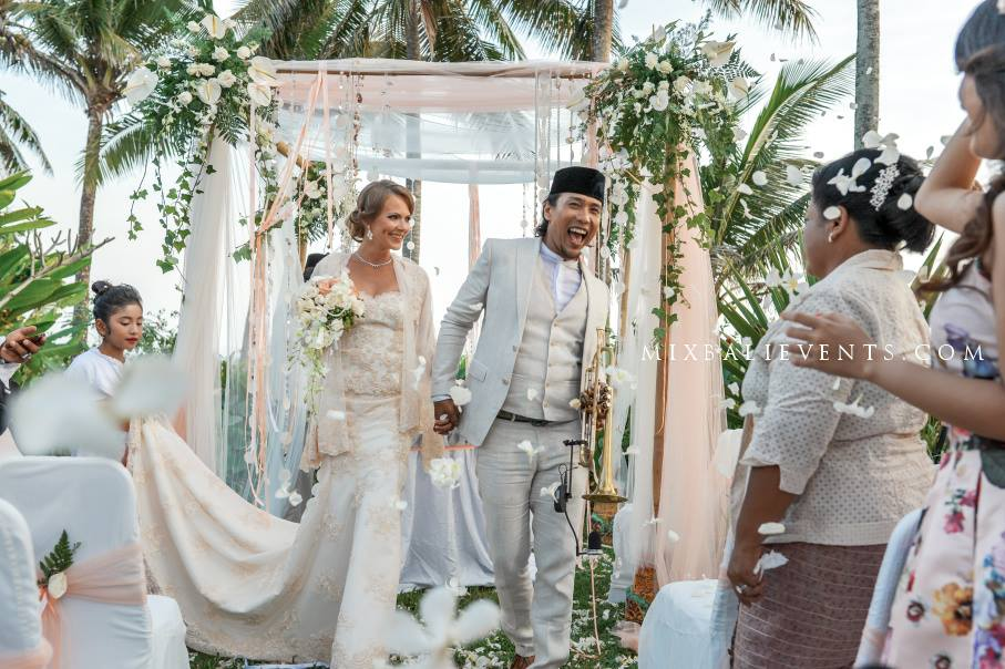 Свадьба на бали Любовь и гармония.фото. Свадебная церемония