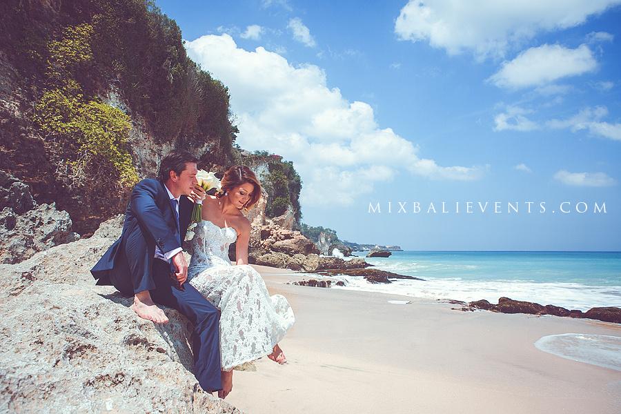 свадьба на бали, свадебная церемония на пляже, организация свадьбы на бали