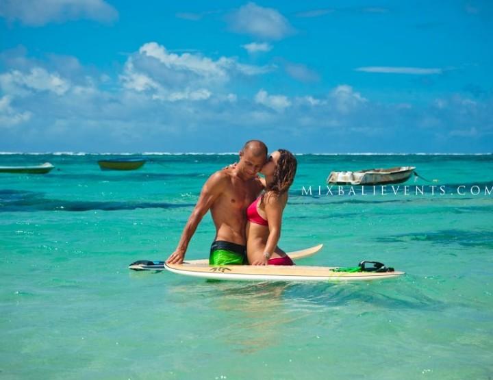 Урок серфинга для двоих