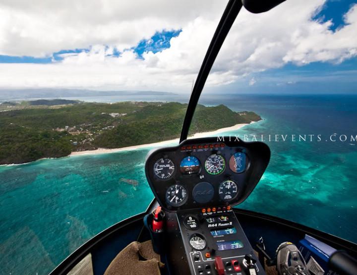 Полет на вертолете над Бали