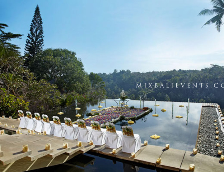 Свадьба на бассейне Инфинити с видом на джунгли