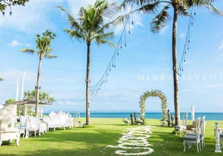 Полинезийская свадьба на Арт-вилле у океана. Эрик и Катя
