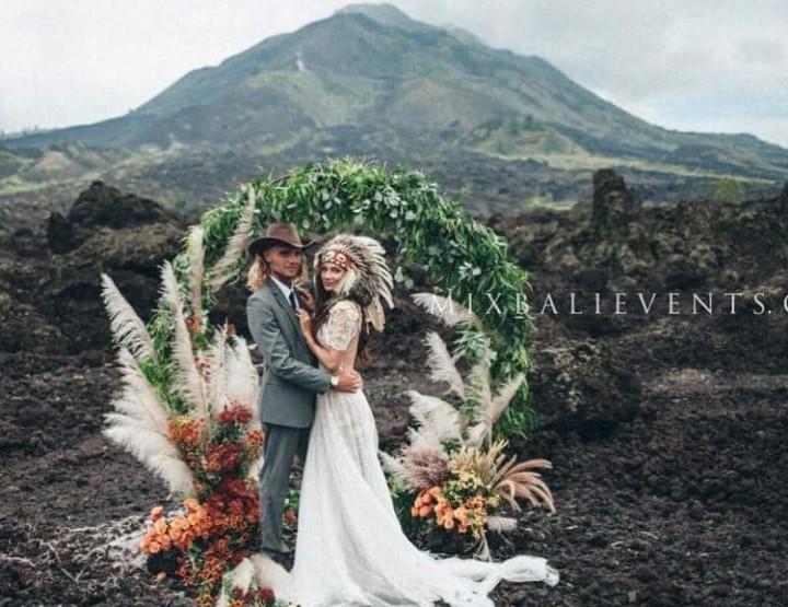 Стильная и модная MOODY & BOHO Pampas Grass WEDDING НА ВУЛКАНЕ