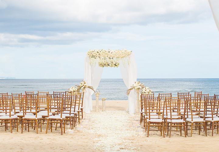 Стильная Свадьба в Итальянском классическом стиле в Бело-Золотых тонах. Свадьба с гостями на 65 человек.