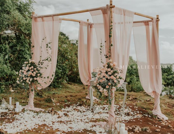Декор в цвете Blush