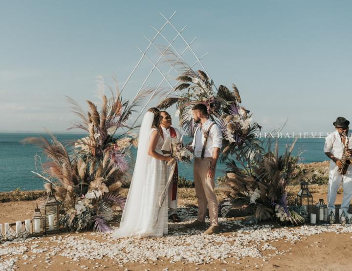 Тренд 2019! Pampas Purple Wedding на утесе над Индийским океаном