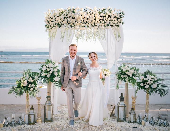 Стильная Свадьба с гостями на вилле у океана
