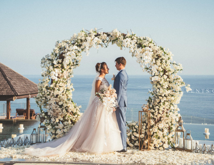 TОП 2019! Стильная Infinity Pool Ocean Wedding с гостями на роскошной вилле у океана